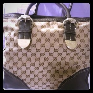 Gucci shoulder handle purse